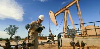Sur le site de pompage du pétrole de Tsimiroro
