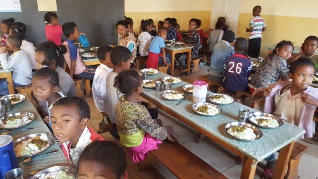 La cantine de l'école associative L'île aux enfants