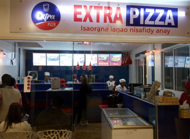 Le box Extra Pizza à la galerie Urbania Analakely