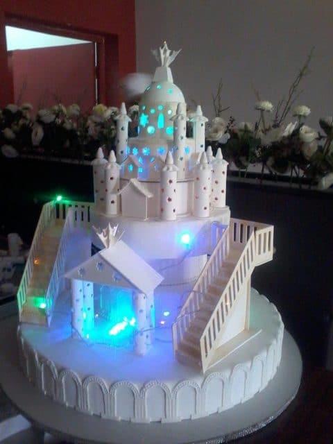 Le gâteau de rêve de toutes petites filles
