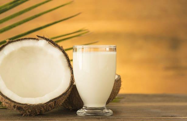 Le bon vieux lait de coco qui peut se marier avec tout pour une saveur exotique