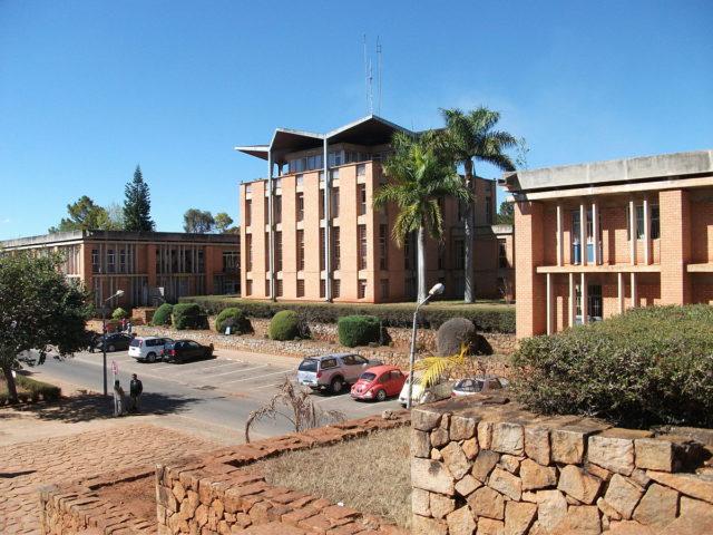 L'université d'Antananarivo dont la faculté des Lettres et des Sciences Humaines