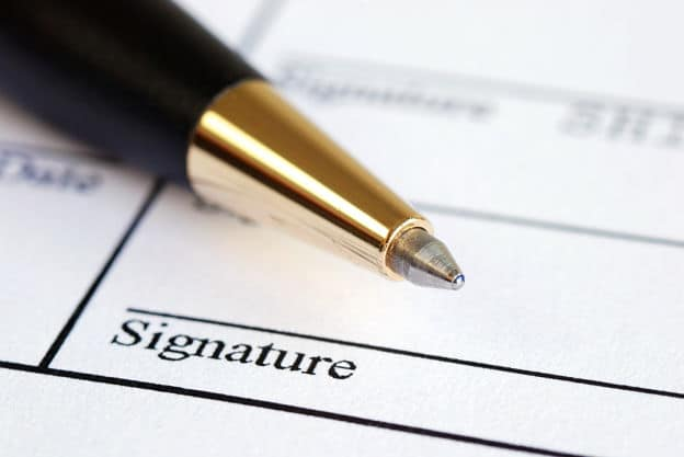 Le contrat de vente doit évidemment être signé par toutes les parties concernées par son objet