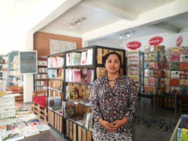 Voahirana Ramalanjaona, gérante de la librairie café Mille feuilles