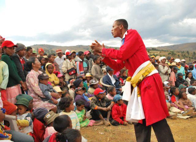 Le kabary, cet art indissociable du paysage malgache