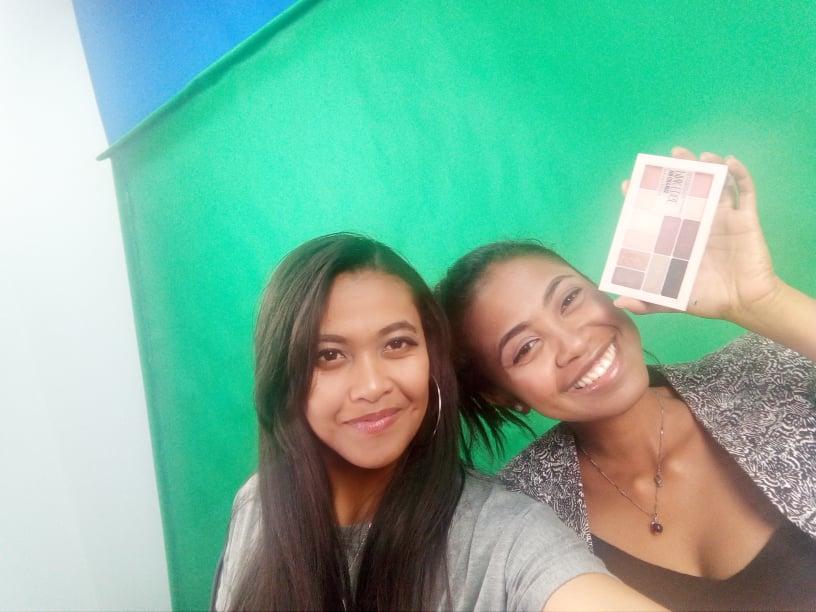 Un petit selfie avec cette merveilleuse palette:)