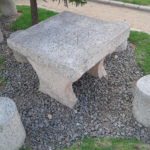 Une table vue de près