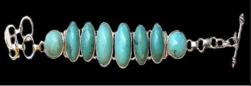 Art Monie India est une référence pour des bijoux indiens en argent et pierres naturelles