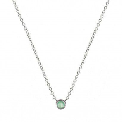 Ce collier fin serti d'une émeraude à 49 € est le dernier en stock
