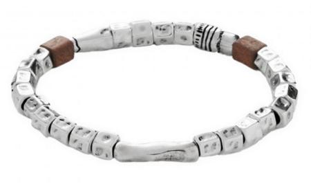 Un bracelet de la marque espagnole Uno de 50