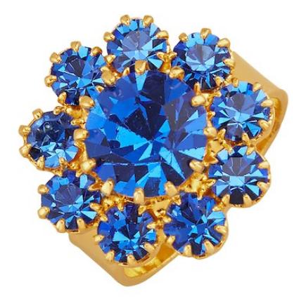 Une bague plaquée or à pierres fantaisies bleues disponible sur Laura Kent