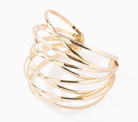 Un échantillon de bijoux femme fantaisie de Promod: un bracelet avec un effet trompe-l'œil