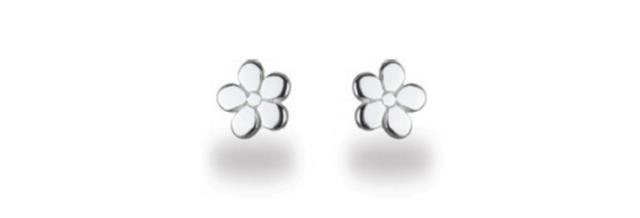 Ces boucles d'oreilles puce fleur en argent 925 sont indémodables et ne coûtent que 5,20 €