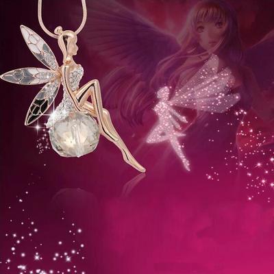 Ce joli collier Cristal en Strass Papillon aux ailes d'Anges est en solde: -50%