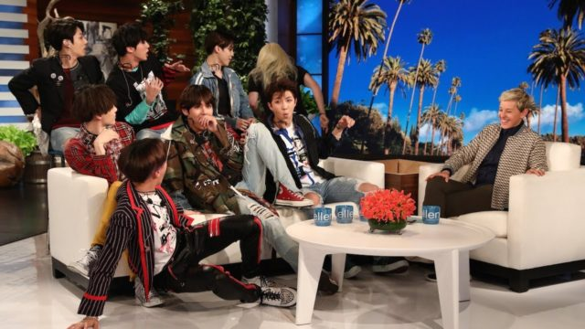 BTS sur Ellen Show, après avoir été surpris par un membre de l'équipe