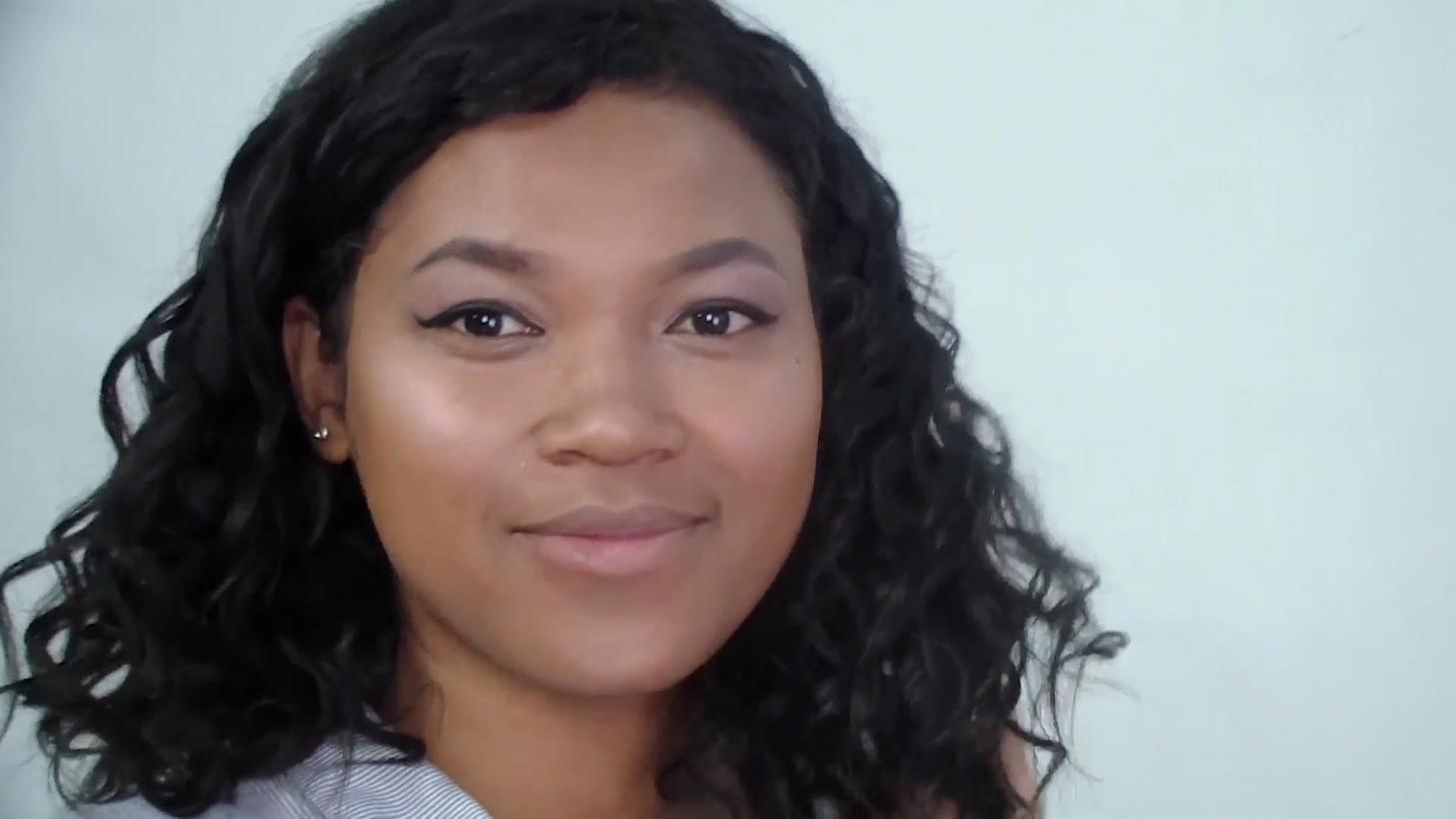 Je n'ai pas hésité à utiliser beaucoup d'highlighter pour le relooking total maquillage de Koloina xD