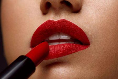 Le rouge à lèvres mat, un indémodable