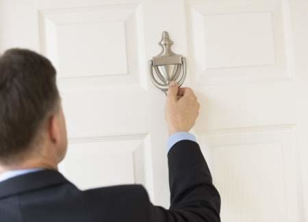 Door-to-door sales, the most difficult discipline in the commercial world
