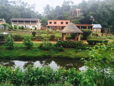 Mandraka Park, à seulement 65 km de la ville d'Antananarivo sur la RN 2
