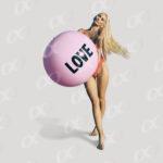 Femme et ballon