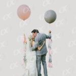 Un couple avec des ballons