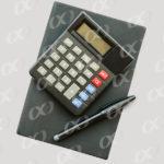 Une calculatrice et un agenda
