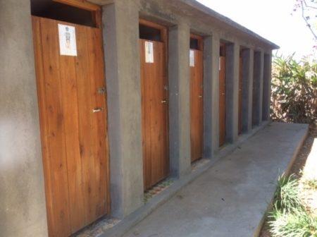 La majorité des foyers ne dispose pas de toilettes intérieures