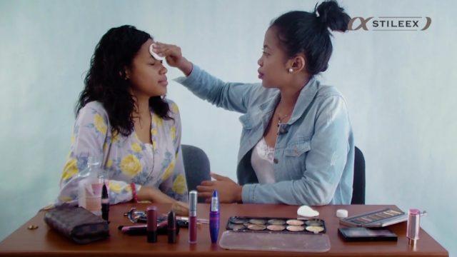 Pour commencer votre maquillage pour peau mate, vous commencez par nettoyer votre peau avec de l'eau micellairePour commencer votre maquillage pour peau mate, vous commencez par nettoyer votre peau avec de l'eau micellaire