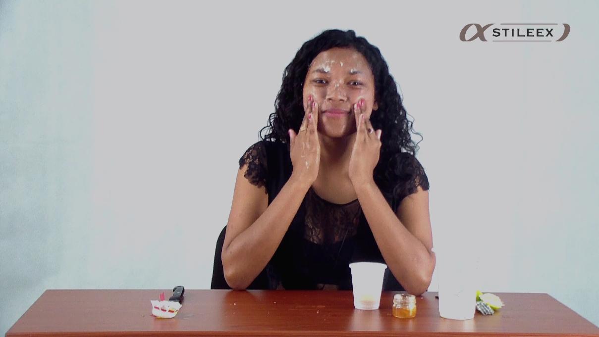 Appliquez le masque sur toutes les parties de votre visage
