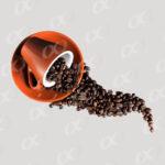 Grains de cafe dans une tasse