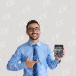 Un comptable avec une calculatrice