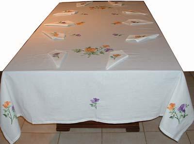 Une jolie nappe de tables malgache pour accueillir ses invités
