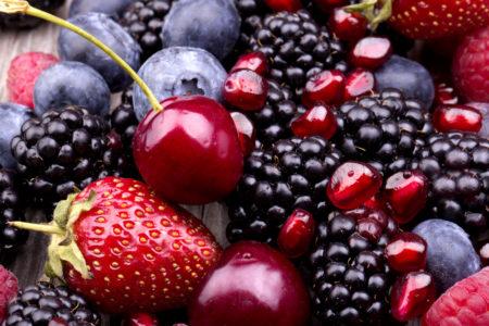 Les fruits rouges, riches en acides gras essentiels, oméga 3, oméga 6 et Vitamine E sont très avantageux pour ceux qui ont le groupe sanguin AB