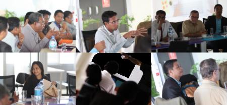 Ateliers, formations, etc. Les six mois à venir ne sont pas de tout repos pour nos jeunes entrepreneurs. Sur la photo, les membres du jury et les mentors d'Orange Fab Madagascar.