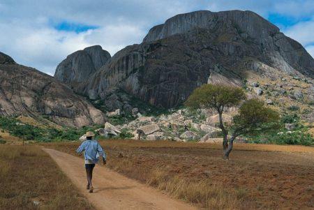 Le plus haut sommet de Madagascar culmine à 2 876 mètres