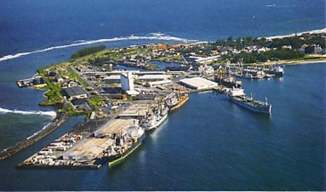 Le premier port de Madagascar , là où se passe 95% des marchandises