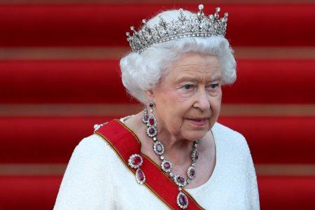 «The Queen» peut conduire une voiture et aller où elle veut sans permis de conduire