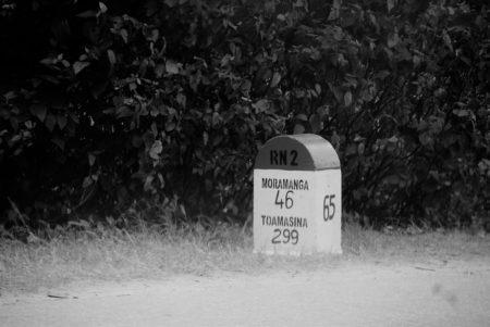 La route nationale 2, la route des Ravinala