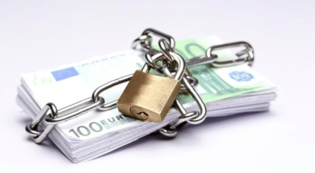 Signing a sales contract makes it possible to secure your transactions