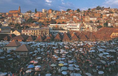 Le marché du Zoma est le marché traditionnel, connu depuis des années à Antananarivo