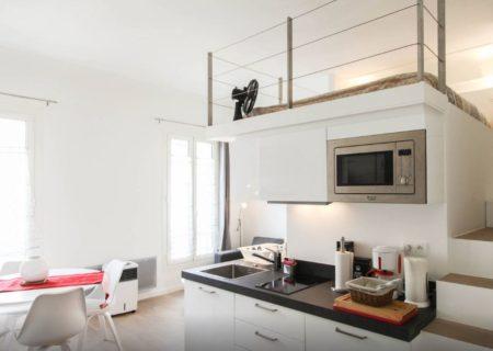 Un appartement qui combine à la fois l'agencement d'un studio et d'une mezzanine