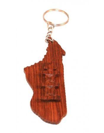 Los artesanos talentosos han hecho llaveros, joyas e incluso ropa como la de Aloalo Malgache.