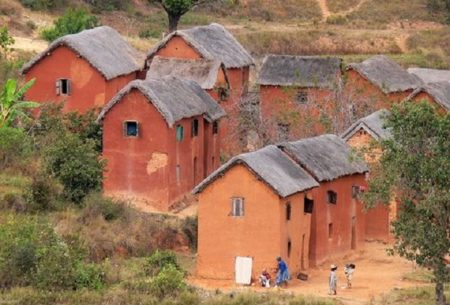 On peut encore apercevoir des maisons de ce genre dans les hautes terres
