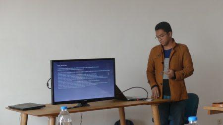 Danny Andrianaivoarijao lors de la présentation de Nemote lors du coaching French Tech