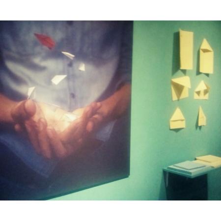 Les tirages photographiques de Matchbox reflètent son imaginaire