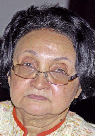 Madeleine Ramaholimiaso, expert-comptable, membre fondateur de l'OECFM et chancelière de Madagascar