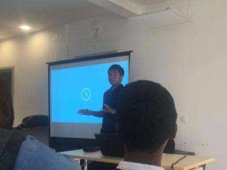 Mihaja RAJOHNSON, lors de sa présentation de sa plateforme Aizawaiza