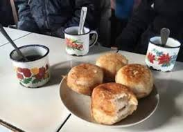 """Du mofo gasy et une bonne tasse de café: petit déjeuner """"à la malagasy"""""""