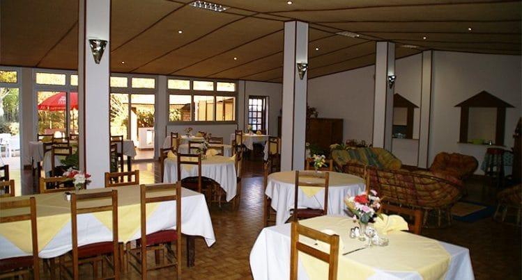 Salle de restaurant de l'Auberge du Cheval Blanc