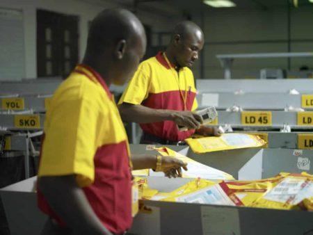 Des envois sécurisés à travers le monde avec DHL